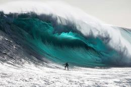 GIANT RIDER: Marti Paradisis on the monster wave| Click for larger 960