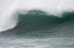 surfersvillage comNorth Spain gets giant waves for Dakine Big Wave 1837