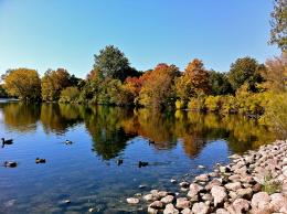 Description StMary\'s Lake University of Notre Dame Early Fall JPG 506
