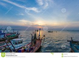 sunsets fishing boats beautiful boat sunset 47916473 jpg 1181