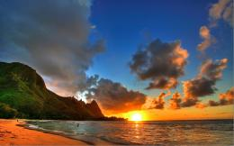 Sunset Hawaii Beach thumb Beautiful Photos of Mother Earth and the 1427