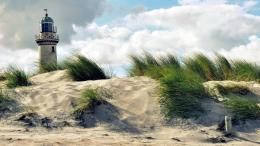 Download Lonely lighthouse on beach wallpaper in Nature wallpapers 1026