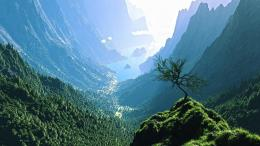 Magnificent view from top of mountain wallpaper 581