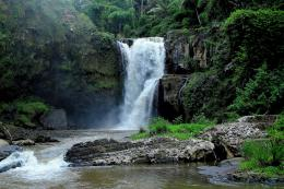 waterfalls cliffs jungle river forest wallpaper waterfalls cliffs 1313