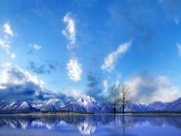 Perfect reflection of snow mountain on the peaceful lake wallpaper 257