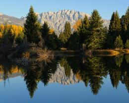 Perfect autumn reflection lake mountains 1280x1024 562