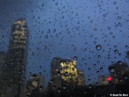 Raindrops on Window – Seattle « Seattle Rex 687