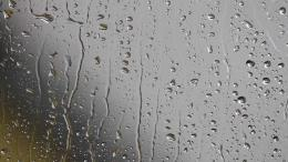 Raindrops on WindowYouTube 971