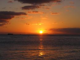 PanoramioPhoto of Sunset over Waikiki Beach 1658