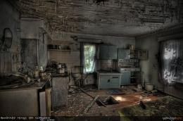 chaos+Abandoned house HDR workshop by midnightlife jpg 724