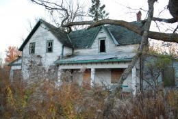 saw this abandoned house a couple of years ago but didn t 532