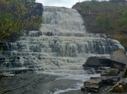 Albion Falls is located where Mountain Brow Blvd meets Mud StThere 372