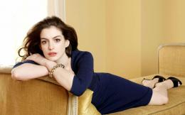 Very Beautiful Anne Hathaway 593