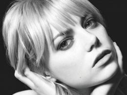 Emma Stone Face in Black and White 797