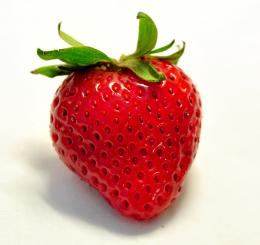 that a fresh bouquet of flowers? A bouquet of fresh strawberries 757