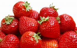 Fresh strawberries wallpapers is a great wallpaper for your computer 255