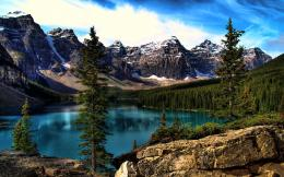 Moraine Lake desktop wallpaper 1983