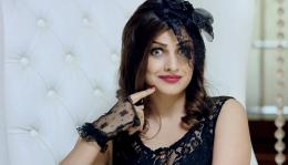 Himanshi Khurana Wikipedia Biography AGE Height Details? 1374