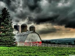 Beautiful Barn Under Stormy Skies Hdr Hd Wallpaper | Wallpaper List 592