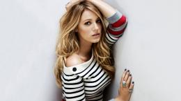 download pretty blake lively in striped sweater wallpaper in 982