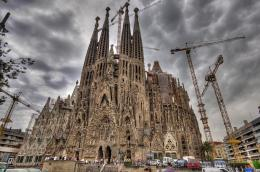 church of the Sagrada Familia, known simply as the Sagrada Familia 422