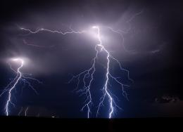 Beautiful lightning strikes wallpaper 420