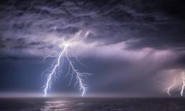 spectacular lightning storm over the Pacific Ocean early this morning 1259