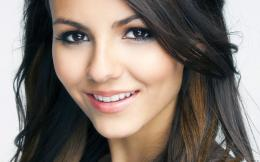 victoria justice cute smile high definition wallpaper for desktop 1818