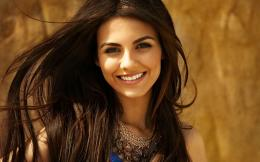 Wallpaper Cute Smile of Victoria Justice 1446