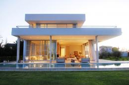 Modern Riverside House in Buenos Aires, Argentina 1234