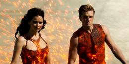 Jennifer Lawrence on fire in New Hunger Games Catching Fire Trailer 181