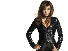 Miley Cyrus on a white background wallpapers and imageswallpapers 1150