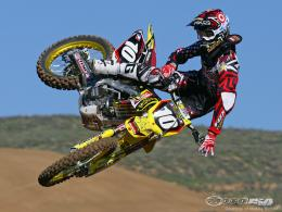 Full size flight Motocross wallpaper1024x768 1982