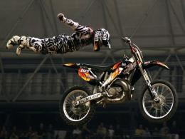 If you like motocross, you must know who Travis Pastrana is 570