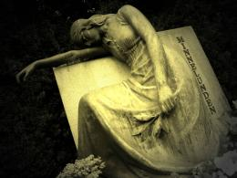 Cemetery grave monument statue gothic dark women girl mood emotion sad 532
