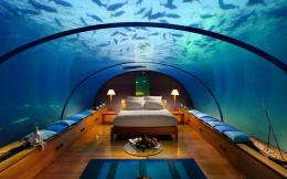 , underwater hotel bedroom, underwater tunnel hotel, underwater room 1753