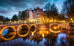 AMSTERDAM CANALS 674