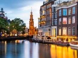 Canal in Amsterdam 4K Ultra HD wallpaper | 4k Wallpaper Net 730