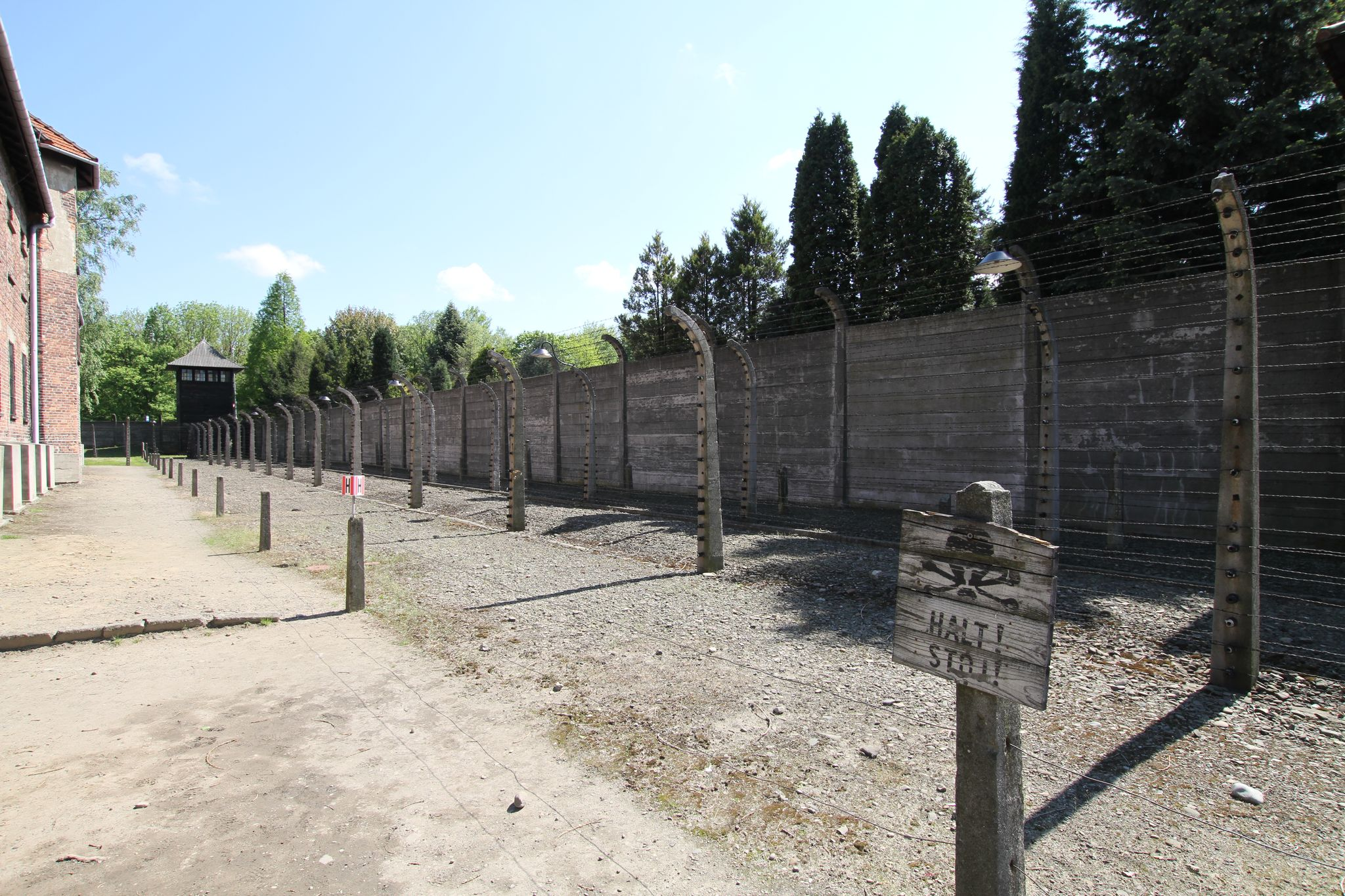 you are viewing auschwitz hd wallpaper color palette tags auschwitz 807