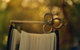 Beautiful Old Key On The Book Macro Wallpaper #7785 Wallpaper | High 1516