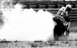 Sports Bike burn out Black and White Wallpaper 1571