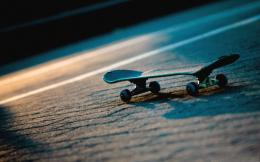 Lonely Skateboard Hd Wallpaper | Wallpaper List 946
