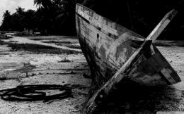 Similar wallpapers for Wrecked Boat in black and white 506