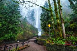 Download wallpaper Foggy Multnomah Falls, Oregon, waterfall, park free 1351