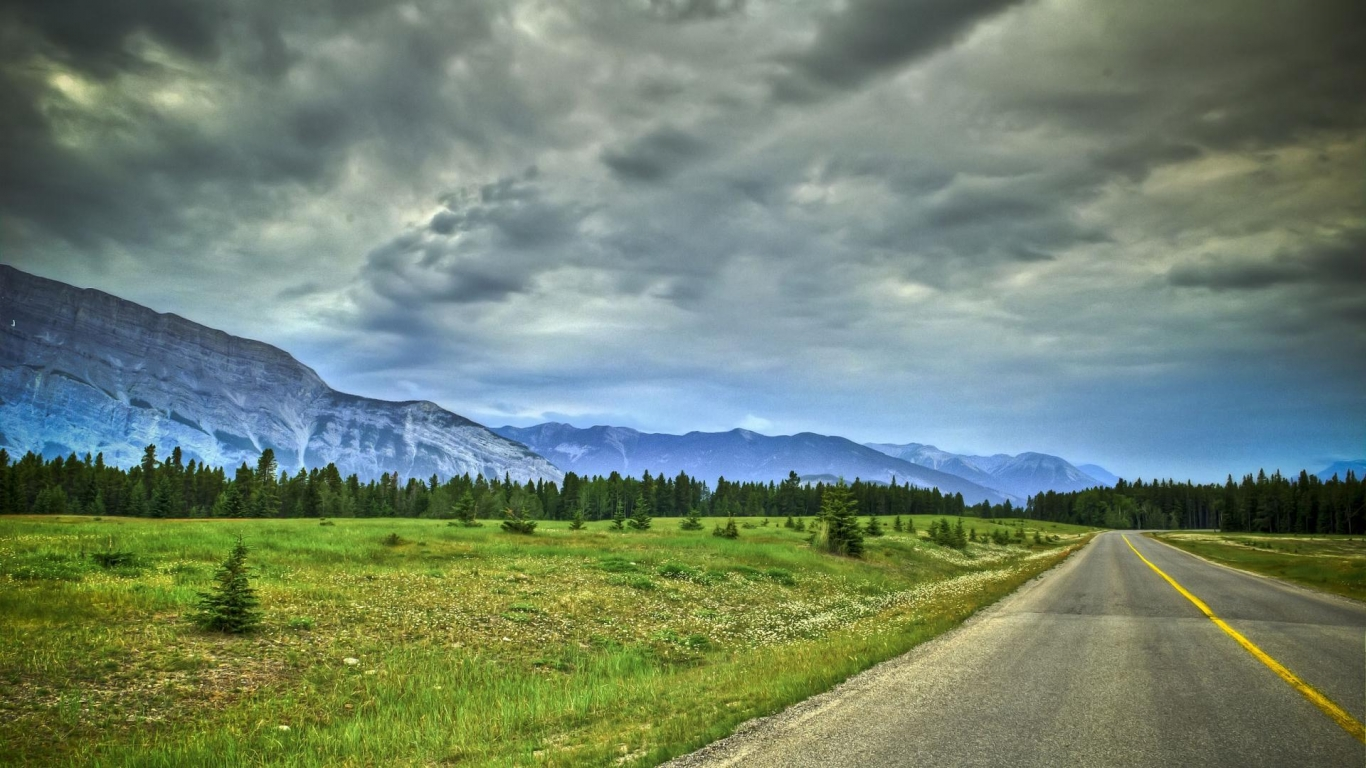 Road Along A Mountain Range Hdr wallpaper in Nature wallpapers 1234