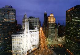 Chicago Views Wallpaper of Michigan Avenue With Holiday Lights 982