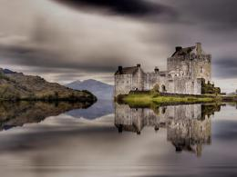 Fantastic Castle Reflection On A Lake Hdr Hd Wallpaper | Wallpaper 292