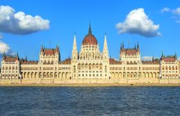 Hungarian Parliament Building by hanciong on DeviantArt 1111