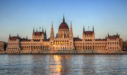 Hungarian Parliament Building by roman gp on deviantART 1066