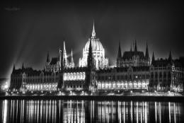Budapest Parliament at Night 2 by CreativeDragon on DeviantArt 936